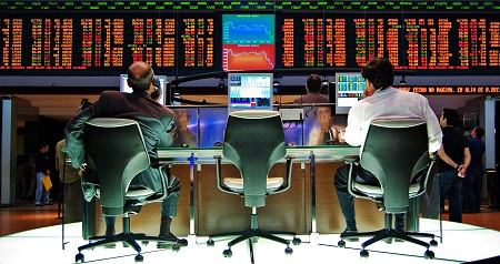 Does Algo Trading Work for Retail Investors?