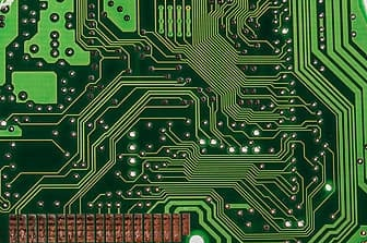 Will AI replace investment bankers - computer chip